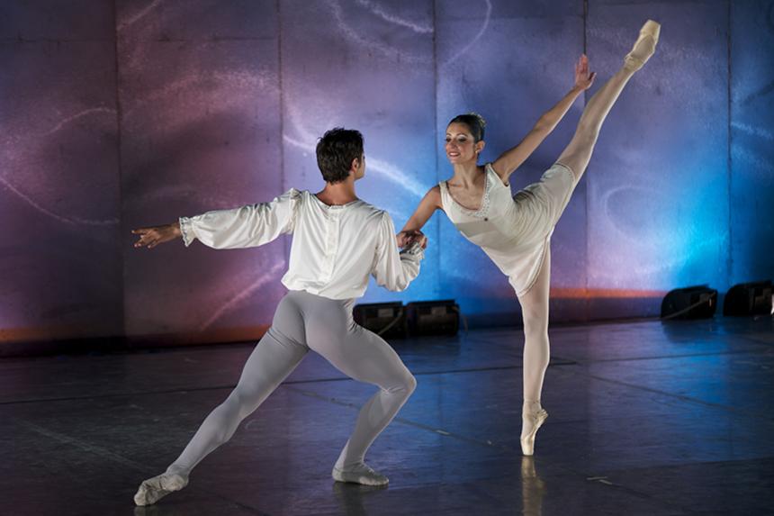 Compagnia Balletto Classico Liliana Cosi – Marinel Stefanescu_Passo a due