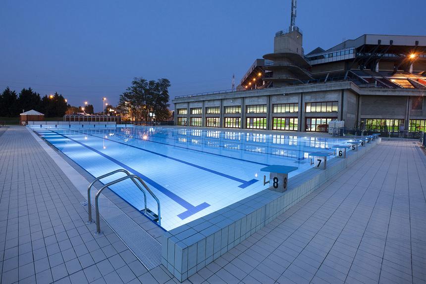 Estate al beach forum la piscina del mediolanum forum - Dimensioni piscina olimpionica ...