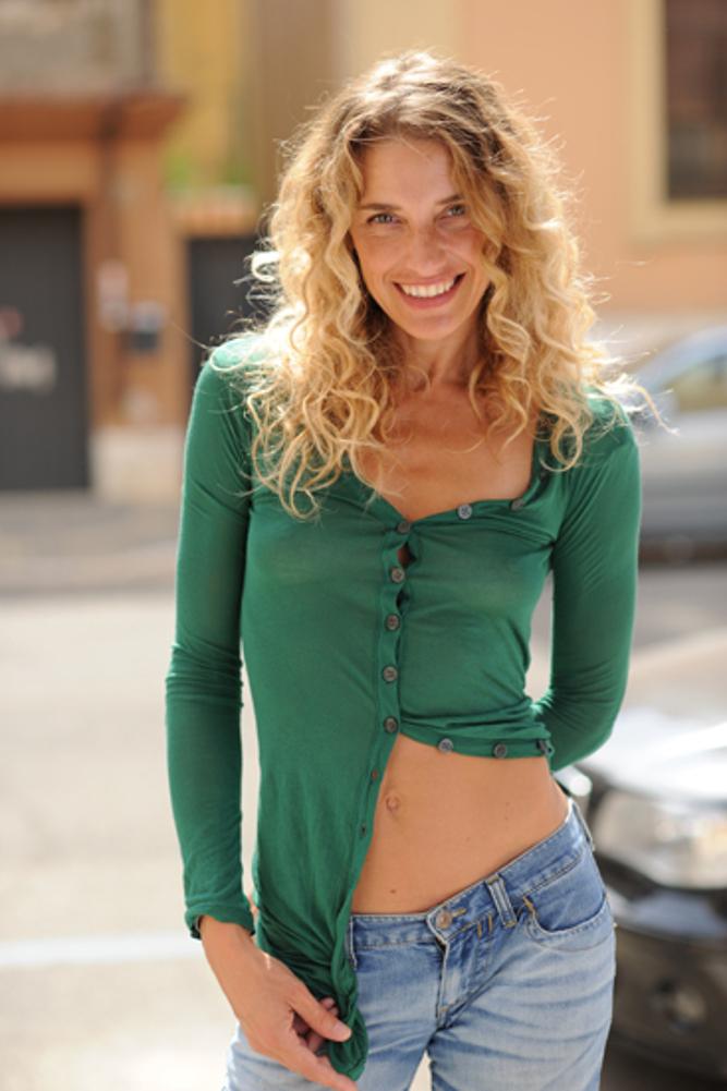 Simona Samarelli 2 - Midsummer Night's Circus