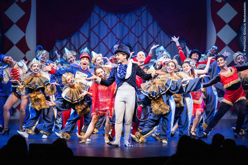 recensione Midsummer Night 's Circus musical gruppo