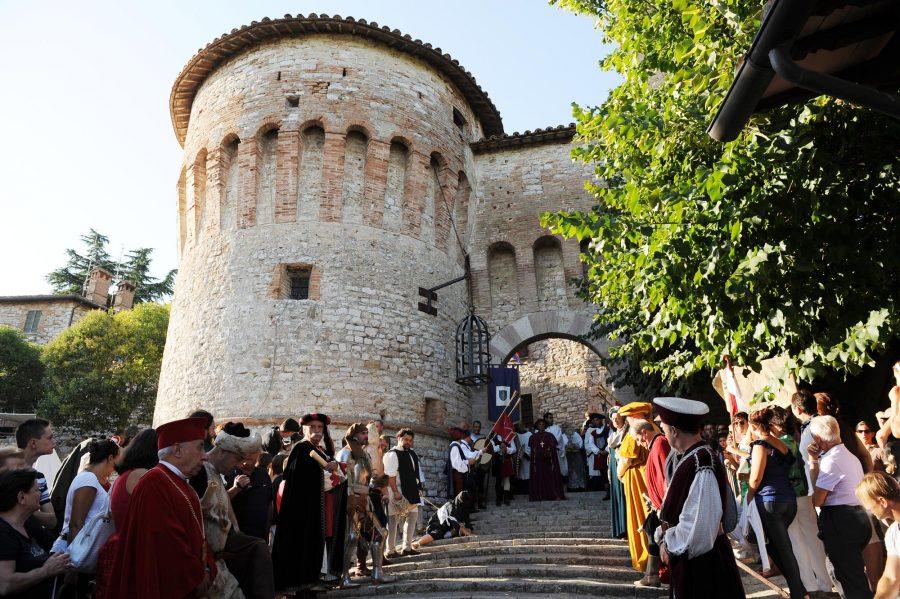 Corciano Festival_Corteo Quattrocentesco del gonfalone_foto Belfiore