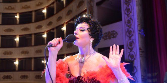 End of the Rainbow - Judy Garland teatro