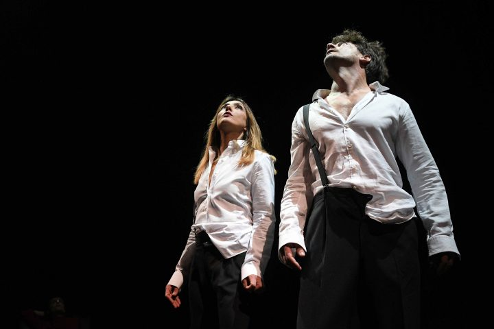 Recensione La guerra dei Roses con Ambra Angiolini e Matteo Cremon a Milano-3