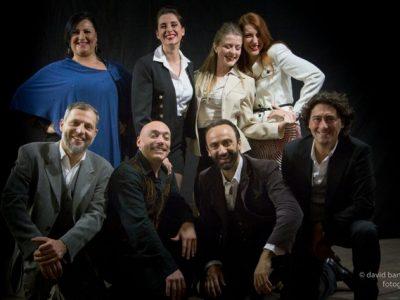 Al Politeama Pratese La pulce nell'orecchio. Il cast con la regia di Sandro Querci - cast