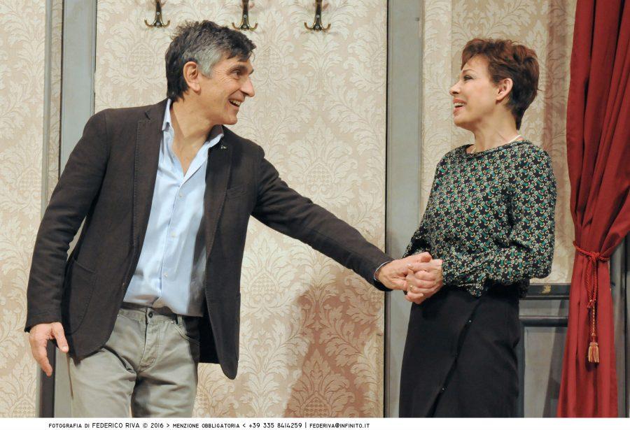 Recensione Una festa esagerata con Vincenzo Salemme al Manzoni-3
