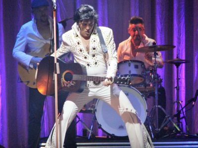 trailer di Elvis The Musical